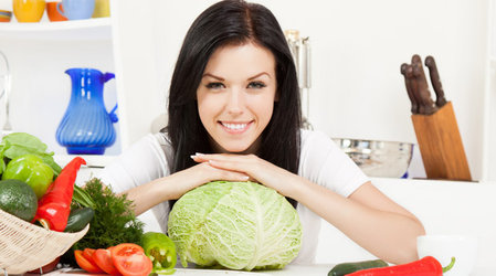 Капустная диета рассчитана на 6-7 дней. Помогает избавиться от 5 кг. Капуста подходит в качестве разгрузочных дней.